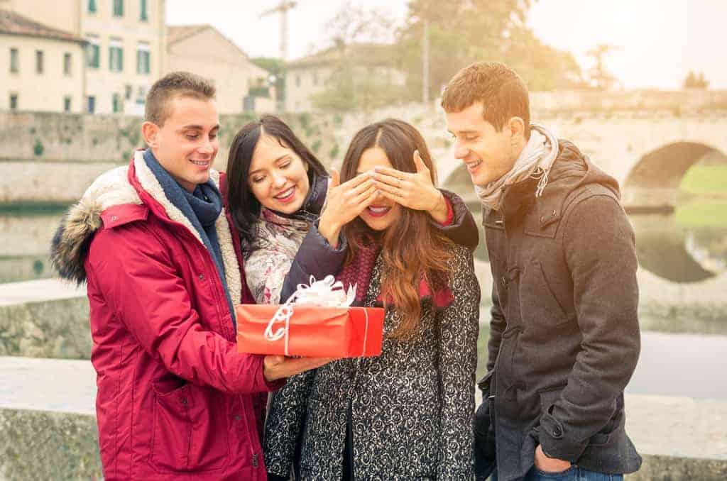 Regali Di Natale Da Fare Alla Propria Ragazza.20 Idee Regalo Per La Ragazza Di 15 Anni Al Compleanno