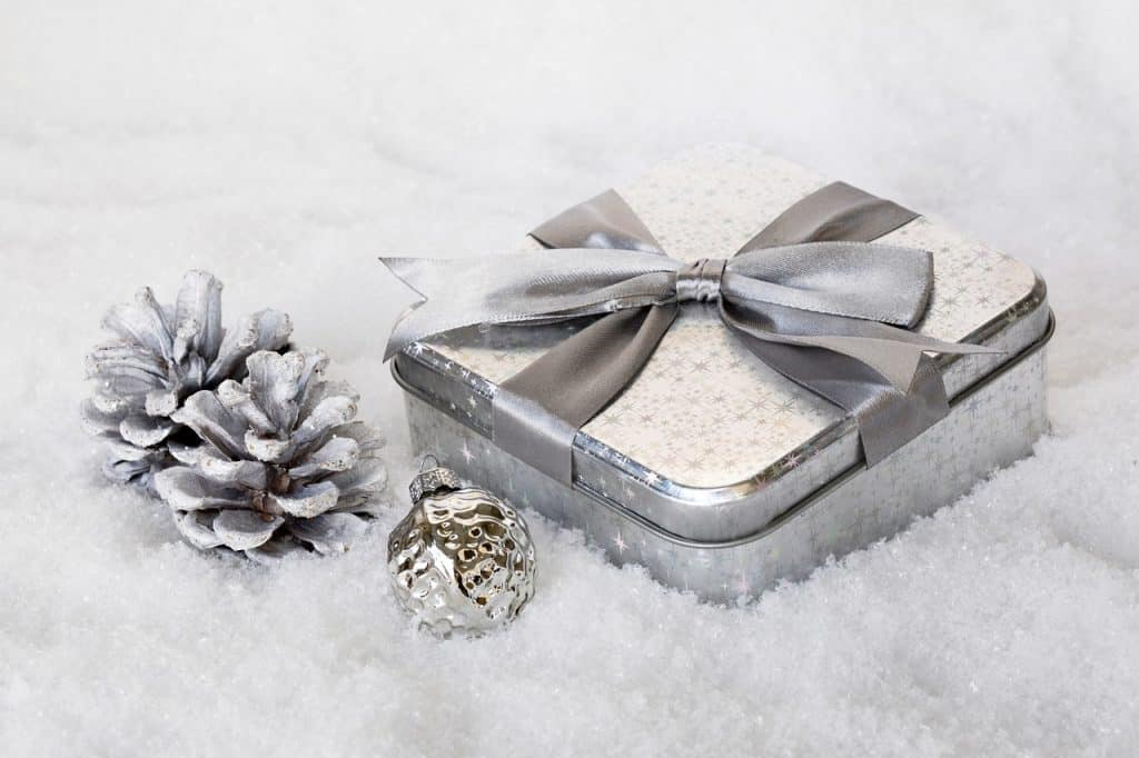 Idee regalo in argento per matrimonio 18 oggetti in for Oggetti in regalo gratis
