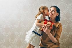 Regali di Natale per la mamma: 35 idee regalo che faranno felice la tua mamma