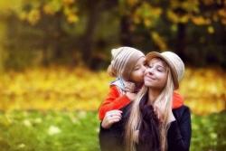Cosa Regalare per la Festa della Mamma: 9 idee regalo per celebrare la mamma