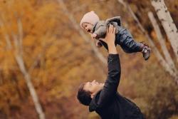 Regalo per Neo Papà: 5 idee regalo fantastiche (e utili) che un neo papà deve assolutamente avere
