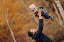 Regalo per Neo Papà: 6 idee regalo fantastiche (e utili) che un neo papà deve assolutamente avere