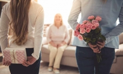 Regali di compleanno per la mamma: le idee per tutti i gusti